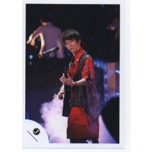 濱田崇裕(ジャニーズWEST) 公式生写真/Jロゴ・衣装赤×黒・もの持ち・口閉じ|arraysbook