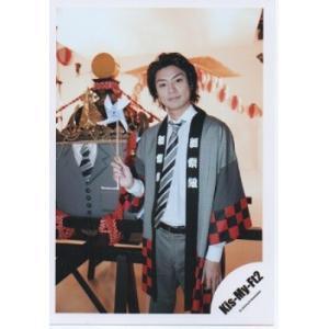 横尾渉(Kis-My-Ft2/キスマイ) 公式生写真/舞祭組村のわっと!驚く!第1笑・衣装グレー×白×赤×黒・口閉じ・カメラ目線|arraysbook
