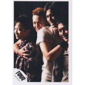 城島茂&国分太一&長瀬智也&松岡昌宏(TOKIO) 公式生写真/背景黒・笑顔|arraysbook