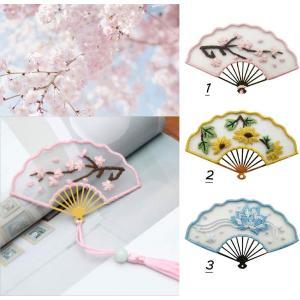 刺繍キット オーガンザ ブックマーク 手作り 飾り刺繍 桜 睡蓮花 菊 花 白い イエロー花 ブルー さくら 蓮の花 オーガンジー 薄い 薄絹 ペンダント付き 壁掛け|arsion