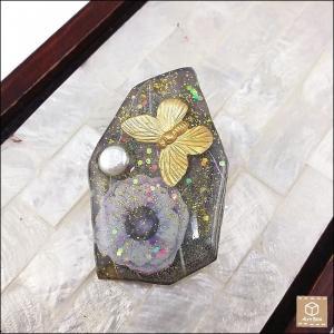 アネモネと蝶々と淡水パールブローチ レジン 大人可愛い ハンドメイド 一点物|artboxkyoto