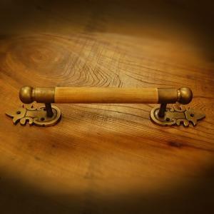 取っ手 真鍮把手 ブラス 扉用 ドアノブ おしゃれ 引き出し インテリアパーツ アンティーク仕上げ 古色仕上げ DIY 付け替え 修理 家具部品 インドネシア直輸入|artcrew