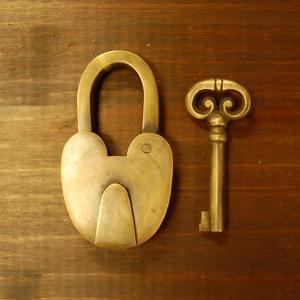 ブラス南京錠169 真鍮金具・・・インドネシア直輸入・インテリアパーツ・古色仕上げ|artcrew
