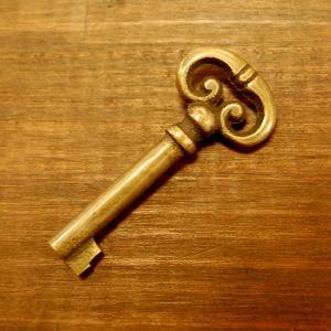 ブラス鍵169A 真鍮金具・・・インドネシア直輸入・インテリアパーツ・古色仕上げ|artcrew