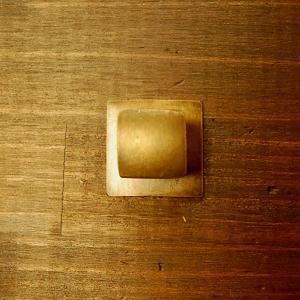 ブラス取っ手 真鍮把手 インドネシア直輸入・インテリアパーツ・アンティーク仕上げ・古色仕上げ DIY 付け替え 修理 家具部品|artcrew