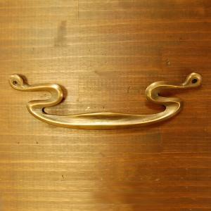 取っ手 真鍮把手 ノブ ブラス おしゃれ 引き出し インテリアパーツ アンティーク仕上げ 古色仕上げ DIY 付け替え 修理 家具部品 インドネシア直輸入|artcrew