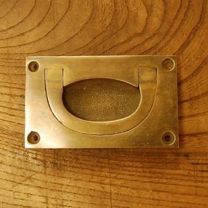 取っ手 真鍮把手 掘り込み型 ブラス おしゃれ 引き出し インテリアパーツ アンティーク仕上げ 古色仕上げ DIY 付け替え 修理 家具部品 インドネシア直輸入|artcrew