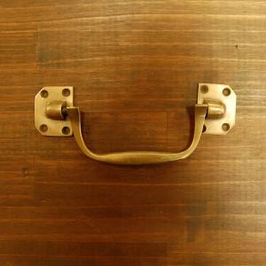 取っ手 真鍮把手 ブラス おしゃれ 引き出し バッグ持ち手 インテリアパーツ アンティーク仕上げ 古色仕上げ DIY 付け替え 修理 家具部品 インドネシア直輸入|artcrew