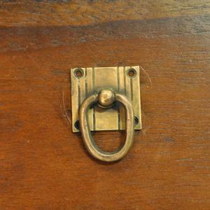 ブラス取っ手 真鍮把手 インドネシア直輸入 インテリアパーツ アンティーク仕上げ 古色仕上げ DIY 付け替え 修理 家具部品|artcrew