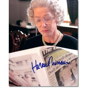 ヘレン・ミレン直筆のサインが入った、映画『クィーン』のスチール写真です。額に入れたらインテリアとして...