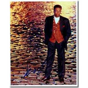 スパイク・リー直筆のサインが入ったスチール写真です。安心の一生涯保証付きのオートグラフ(直筆サイン入...