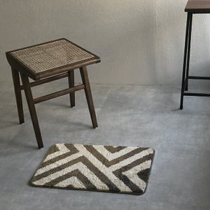 幾何学柄 バスマット ブラウン ベージュ 40cm×60cm 【art of black】|artofblackshop