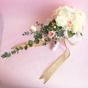 結婚式キャスケードブーケ送料無料プリザーブドフラワー !ローズ(ピンクホワイト)【No.1】|arumama