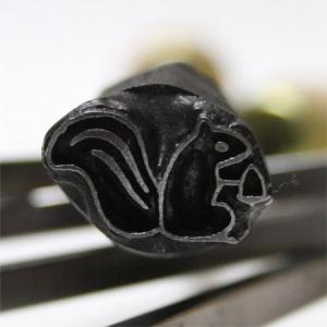 名匠手彫りのオリジナル焼印【りす】|asai-tool