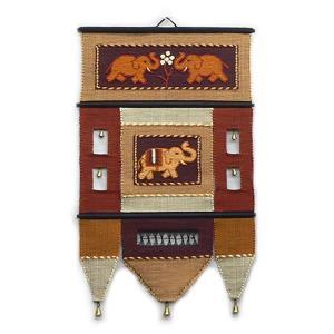 可愛い象の模様がどこかエスニックな印象の手織りタペストリー!ベルが付いていてドアベルにも / インド製 / I-TA-20|asian-dream-net