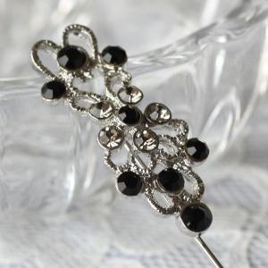 黒とグレーのダイヤをたくさん飾ってかわいくきれい♪ピンブローチ|assure-2