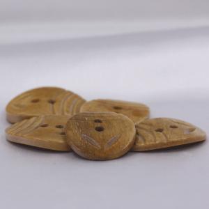 インド製 本水牛ボタン 20x26mm 5個入 ( BC1-08-1) ボタン 手芸 通販|assure-2