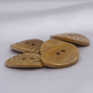 インド製 本水牛ボタン 20x26mm 5個入 ( BC1-08-1) ボタン 手芸 通販|assure-2|06