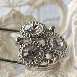 レトロテイストが人気の秘密、飾りが豪華なキルトピン(ダイヤタイプ)|assure-2