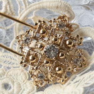 レトロテイストが人気の秘密、飾りが豪華なキルトピン|assure-2
