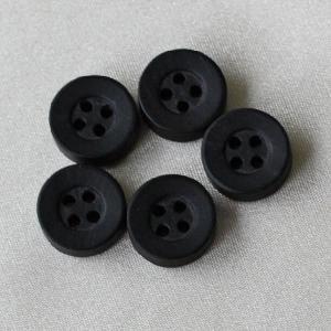 木ボタン(ウッドボタン) (黒) 11.5mm 1個入 天然素材 OW4100-5 (シャツ・ブラウス向) ボタン 手芸 通販|assure-2