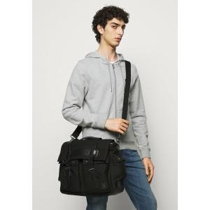 ベルスタッフ ショルダーバッグ メンズ バッグ COLONIAL - Across body bag - black|astyshop