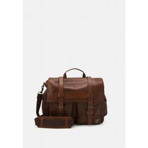 ベルスタッフ ショルダーバッグ メンズ バッグ COLONIAL - Across body bag - cognac|astyshop