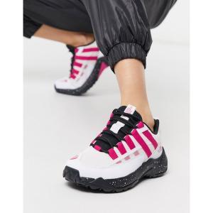 ノースフェイス レディース スニーカー シューズ The North Face Trail Escape Crest sneaker in white/pink Tnf white tnf black astyshop