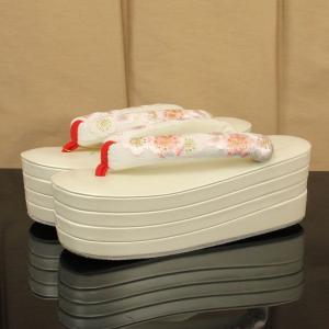 【あすつく】こっぽり 刺繍草履 振袖用 4枚芯 F寸 zo2178|asukaya