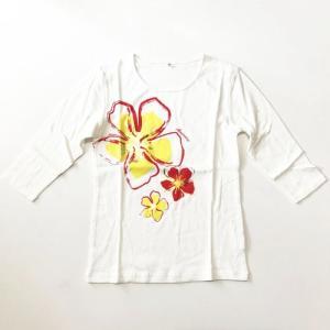七分袖 フラTシャツ ハイビスカス プリント オフホワイト M L LL 3L 送料無料 クリックポスト  ハワイアンプリント フラダンス 7分袖|atelier-ayumi