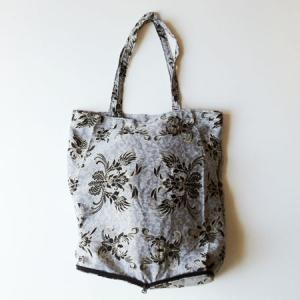 インドネシア バティック 折りたたみ エコバッグ 〈グレー〉 送料無料 クリックポスト 総柄 A4サイズ 綿 100% エスニック アジアン 灰色 atelier-ayumi