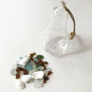 小粒シーグラス 50g入り 電球ボトル ハンギングガラス〈クリア〉   ガラスの小瓶 天然素材 海の宝石 ビーチグラス ハワイアン雑貨 マリン雑貨|atelier-ayumi|02