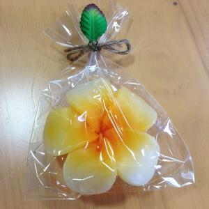 フローティング プルメリアキャンドル 〈オレンジ〉ハワイアン雑貨 アジアン雑貨 フランジパニ インテリア 水に浮かぶろうそく atelier-ayumi