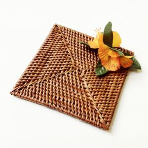 ラタン コースター スクエア ハイビスカス 〈オレンジ〉 クリックポスト レターパックライト対応可能 ハワイアン雑貨|atelier-ayumi