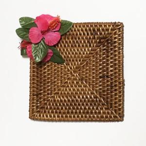 ラタン コースター スクエア ハイビスカス 〈ピンク〉 クリックポスト/レターパックライト対応可能 〈ハワイアン雑貨〉|atelier-ayumi