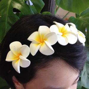 プルメリア カチューシャ ヘアーバンド ハワイアンフラダンス ヘッドバンド花冠 ヘアーアクセサリー|atelier-ayumi