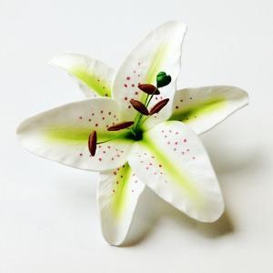 ホワイトリリーへアークリップ(M)〈ホワイト〉カサブランカヘアーピン ハワイアンフラダンスアクセ ユリ|atelier-ayumi