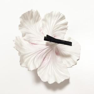 ハイビスカス へアークリップ(L)〈ホワイト & イエロー〉ヘアーピン ハワイアン フラダンス アクセ コサージュ 髪飾り ヘアクリップ|atelier-ayumi|02