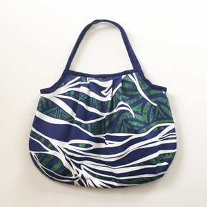 ハワイアングラニーバッグ Sサイズ パームツリー&タパ柄〈グリーン〉【クリックポスト送料無料】オリジナルハンドメイド|atelier-ayumi