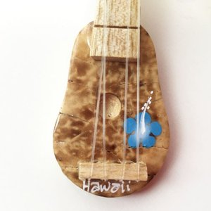 ウクレレココナッツキーホルダー ホヌ&ハイビスカス 〈ブルー〉【クリックポスト対応可能】【ハワイアン雑貨】|atelier-ayumi|03