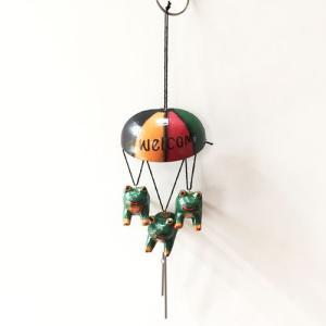 トリプルアニマルチャイムウエルカムパラソル〈カエル〉風鈴ベル 木彫りオブジェ【アジアン雑貨】インドネシアバリ 蛙カエル カーアクセに|atelier-ayumi