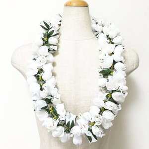 ロケラニレイ カピオラニ 〈 ホワイト 〉  ハワイアンレイ フラダンスレイ ハワイアンフラワーレイ クリックポスト対応可能  ローズ バラ 薔薇|atelier-ayumi