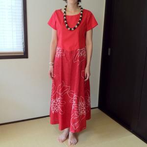 フラダンスドレス プルメリアプリント レッド W切り替え ハワイアンファブリック 挙式や結婚式に ムームー ロングワンピース 送料無料 atelier-ayumi