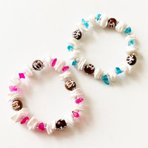 ホヌとプカシェルのブレスレット〈ピンク/ブルー/パープル〉 メール便対応可能 ハワイアン雑貨 ハワイアン アクセサリー  ブレス|atelier-ayumi