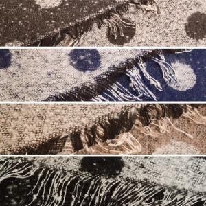 バイカラーのふわふわ 水玉 ストール ドット柄〈ネイビー ブラック モカチャ グレー〉 大判 リバーシブル 送料無料 起毛 ショール マフラー クロ コン 黒 紺|atelier-ayumi|05