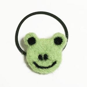 羊毛フェルト カエル ヘアーゴム きみどり ヘアーアクセサリー 送料無料 ヘアゴム ヘアアクセ かえる 蛙 羊毛フエルト ハンドメイド 手づくり 日本製 atelier-ayumi