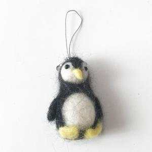 アニマル 羊毛 フェルト ストラップ ペンギン 〈チャコール〉 送料無料 手作り ハンドメイド フェルト生地 ウール100% 羊毛フエルト 雑貨 携帯ストラップ日本製 atelier-ayumi