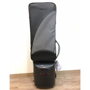 BAMからバスクラリネットのケースが登場。 内面はクッション性の高い素材でしっかりと楽器を守り、背中...