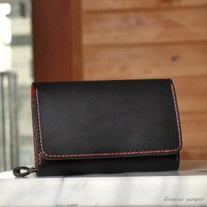 収納性抜群の三つ折り財布 No.1 ブッテーロ|ateliergungnir