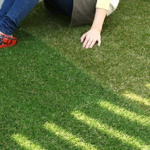 人工芝 芝生 色までリアルなロール人工芝 芝丈20mm (幅1m × 長さ2m) 安全検査実施済|atgarden|02